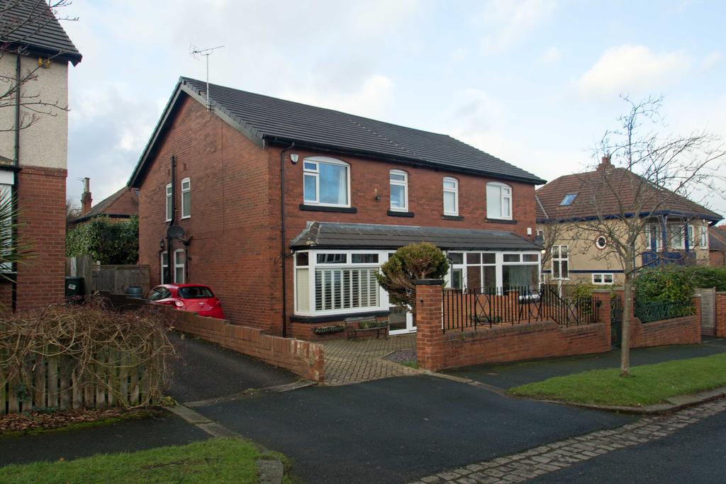 4 Bedrooms Semi Detached House for sale in Drummond Road, Far Headingley, Leeds 16