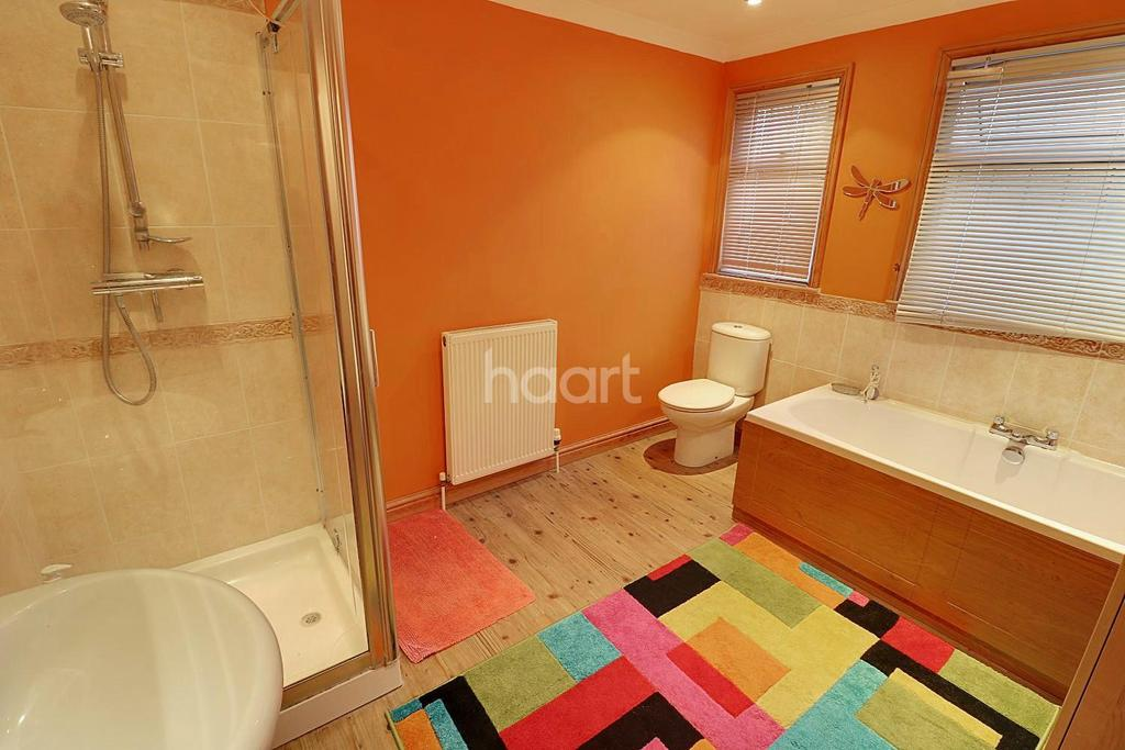 3 Bedrooms Bungalow for sale in Spring Lane, Fordham, CO3