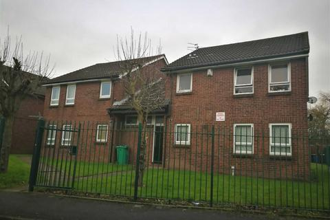 Studio to rent - Ellen Wilkinson Crescent, Belle Vue