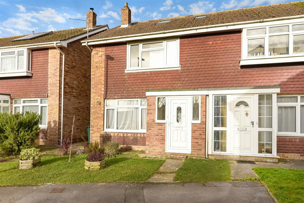 4 Bedrooms Semi Detached House for sale in Arnold Way, Bosham