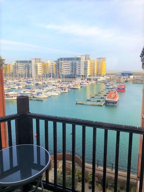 2 Bedrooms Apartment Flat for rent in Madeira Way, Eastbourne, East Sussex BN23