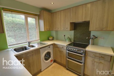 2 bedroom semi-detached house to rent - Moorside Close, Maidenhead