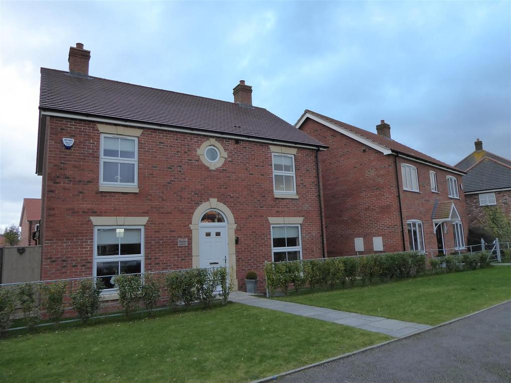 4 Bedrooms Detached House for sale in Bluebell Road, Scartho