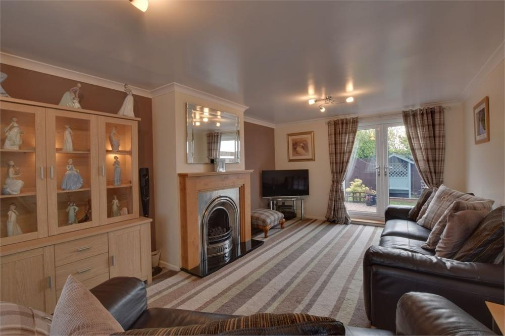 4 Bedrooms Terraced House for sale in 42 Hilton Road, Barnard Castle, Durham