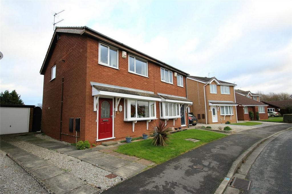 3 Bedrooms Semi Detached House for sale in Nunburnholme Park, Hull, East Riding of Yorkshire