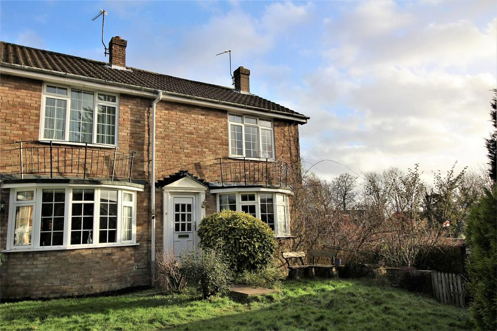 2 Bedrooms End Of Terrace House for sale in Queens Approach, Uckfield, East Sussex
