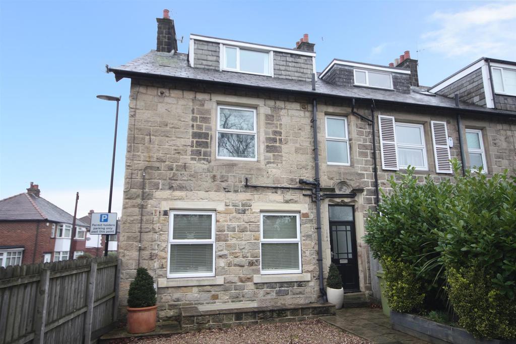 2 Bedrooms Duplex Flat for sale in Park Road, Guiseley, Leeds