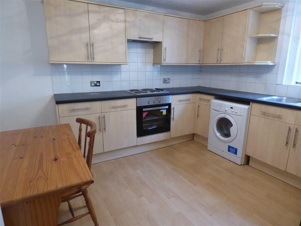 2 Bedrooms Flat for sale in Holdenhurst Road, Bournemouth, Bournemouth, Dorset, BH8