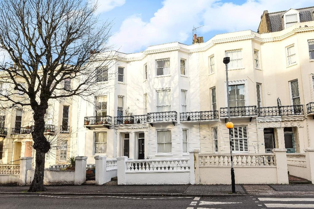 2 Bedrooms Flat for sale in Goldsmid Road Hove East Sussex BN3