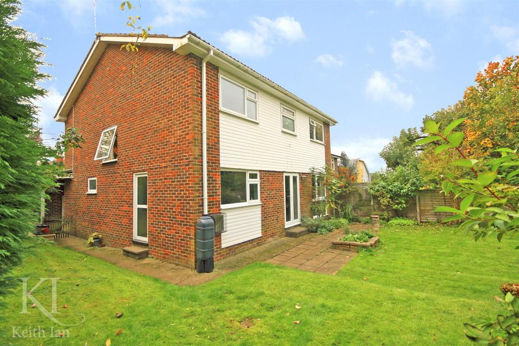4 Bedrooms Detached House for sale in Belle Vue Road, Ware