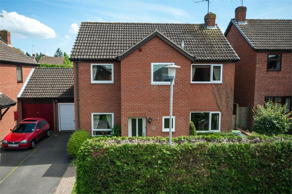 4 Bedrooms Detached House for sale in Valley Road, Burghfield Common, Reading, RG7
