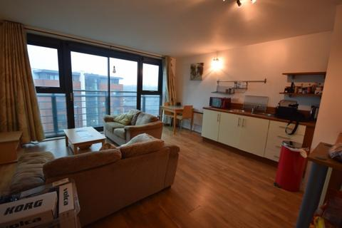 2 bedroom apartment to rent - City Point 2, 156 Chapel Street, M3 6BF