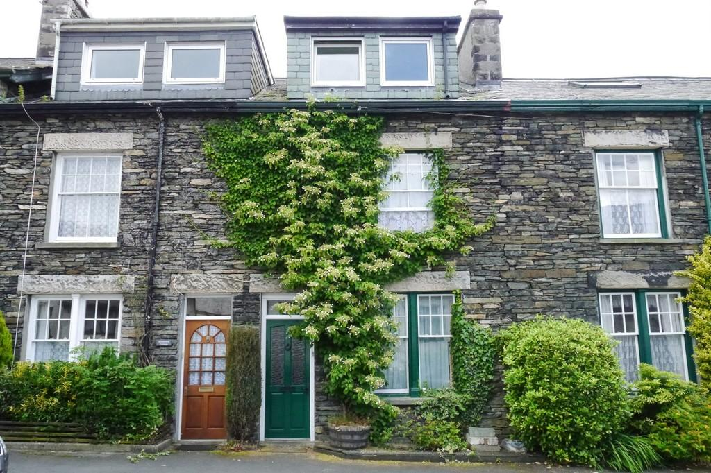 4 Bedrooms Terraced House for sale in 7 Alexandra Road, Windermere, LA23 2AY