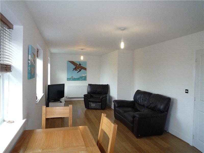 2 Bedrooms Apartment Flat for sale in Elias House, St. Helens Mews, Brentwood, Essex, CM14