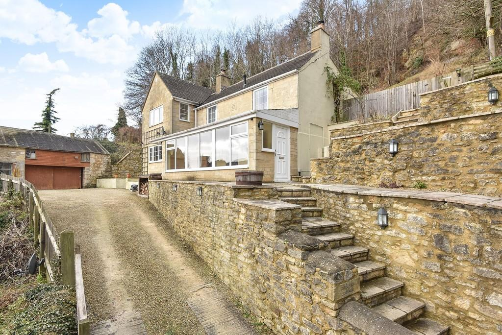 4 Bedrooms Detached House for sale in Ruscombe, Stroud