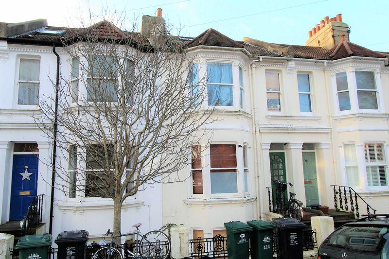 4 Bedrooms Terraced House for sale in Hythe Road, Brighton