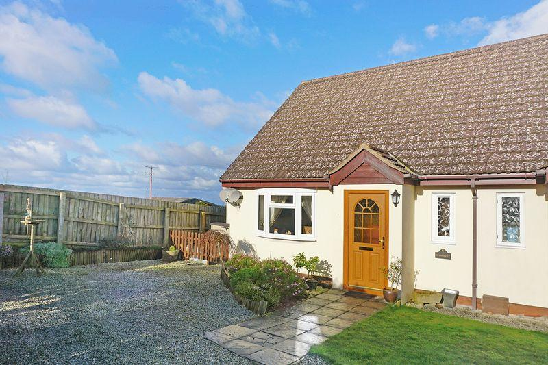 2 Bedrooms Semi Detached House for sale in West Week Close, Holsworthy
