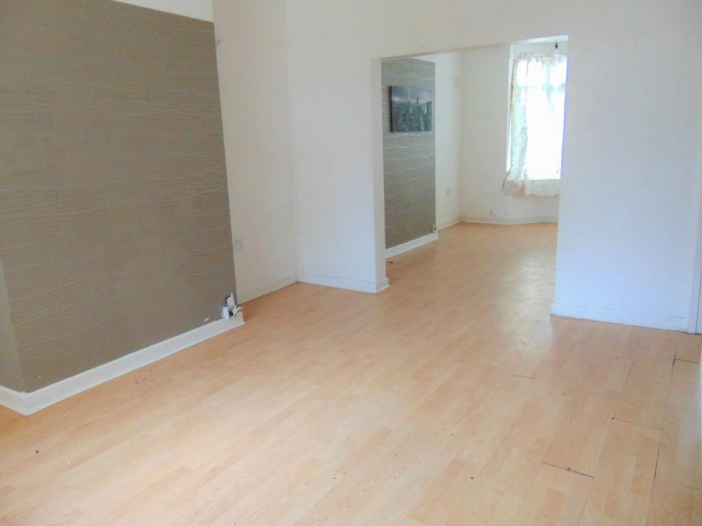 3 Bedrooms End Of Terrace House for sale in Derby Road, Tranmere