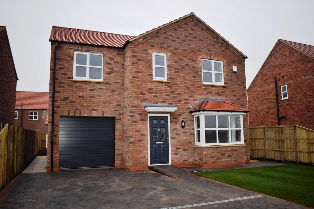 4 Bedrooms Detached House for sale in The Hazel, Plot 38, The Maples, Holton-le-Clay