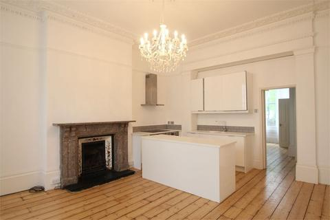 1 bedroom flat to rent - Cambridge Road, Hove, BN3