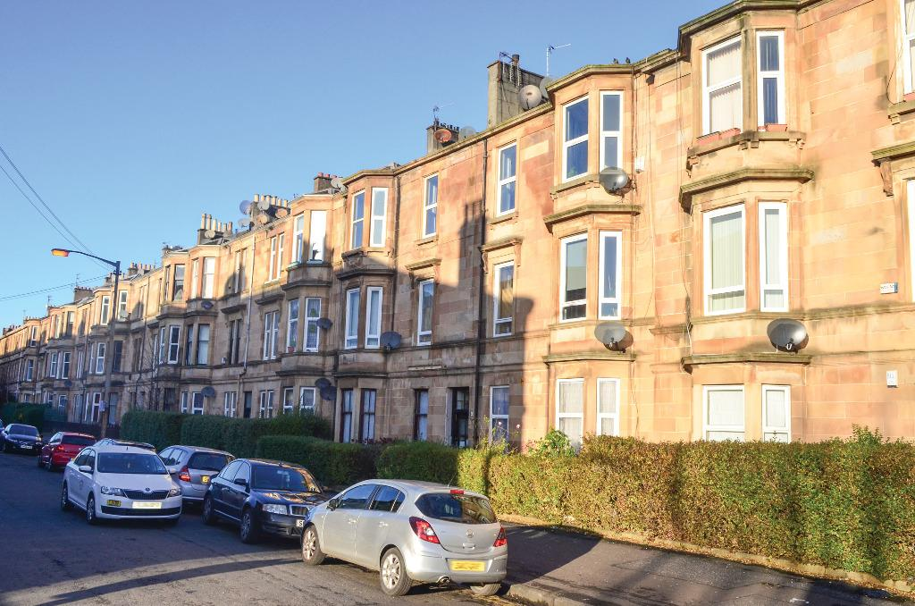 2 Bedrooms Flat for sale in Leven Street, Flat 2/2, Pollokshields, Glasgow, G41 2JQ