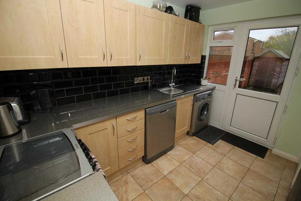 3 Bedrooms Terraced House for sale in Lockley Crescent, Hatfield, AL10