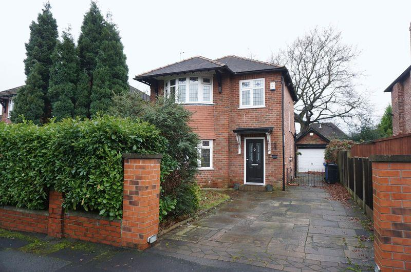 3 Bedrooms Detached House for sale in Bowness Avenue, Cheadle Hulme