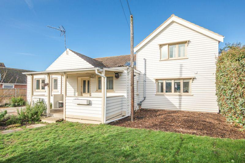 4 Bedrooms Chalet House for sale in Wingham