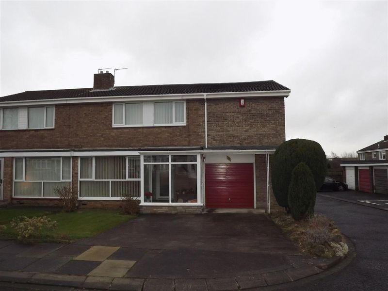 4 Bedrooms Semi Detached House for sale in Monkside, Cramlington