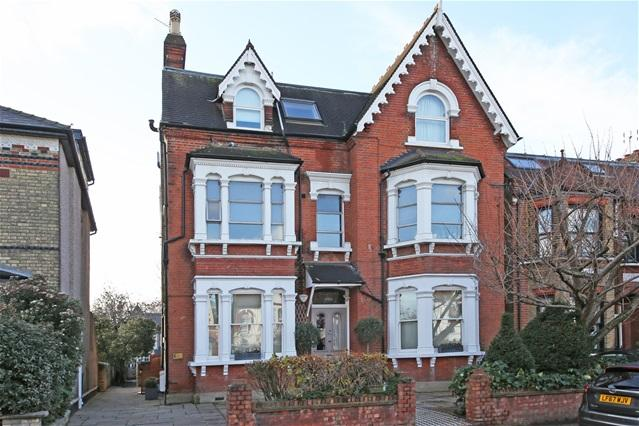 1 Bedroom Flat for sale in 40 Longley Road, Tooting
