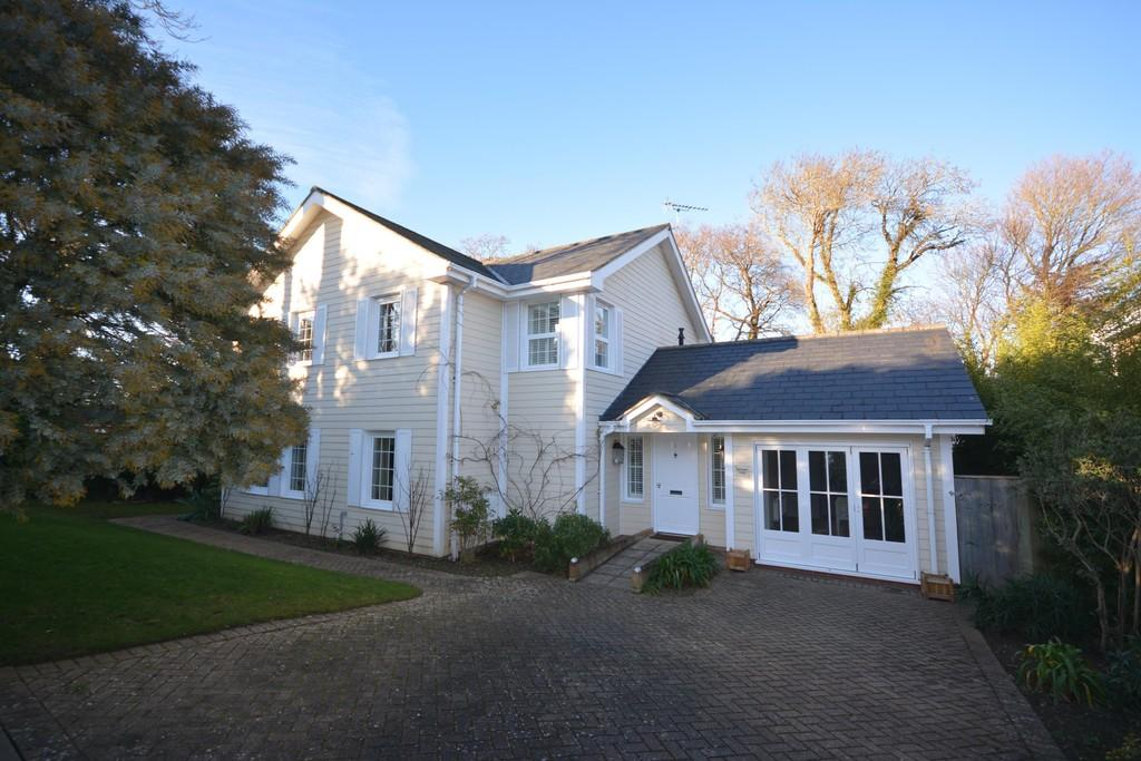 5 Bedrooms Detached House for sale in The Orchard, Cowes