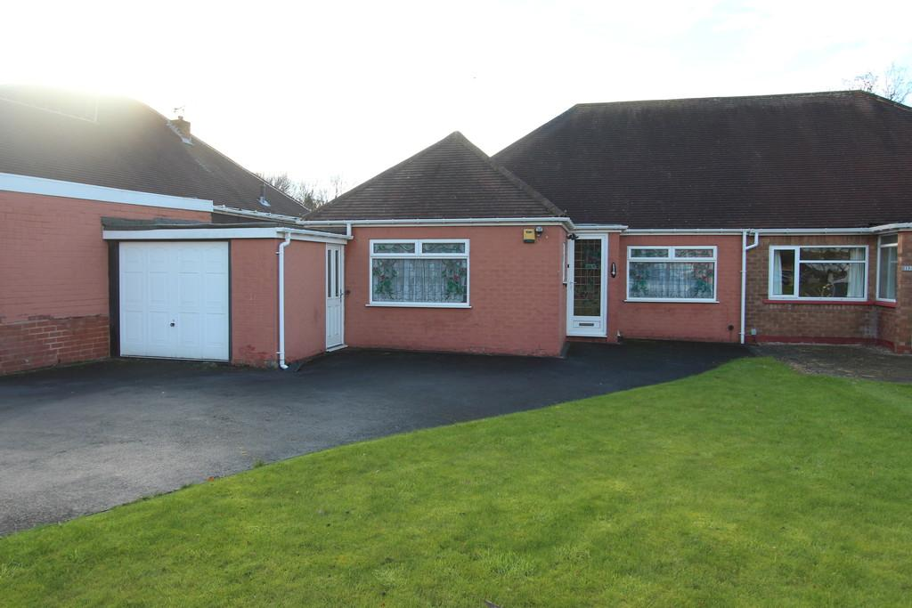 3 Bedrooms Semi Detached Bungalow for sale in Scott Road, Solihull