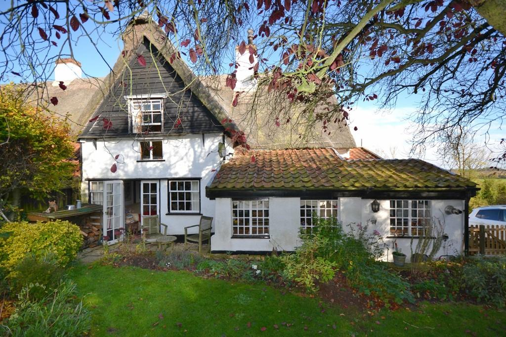 3 Bedrooms Semi Detached House for sale in Mill Hill, Weston Colville
