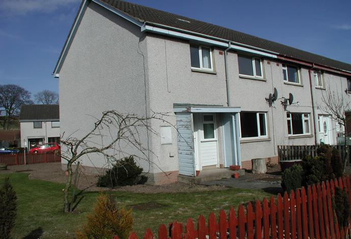 3 Bedrooms Terraced House for sale in 24 Church Hill, Greenlaw, TD10 6YG