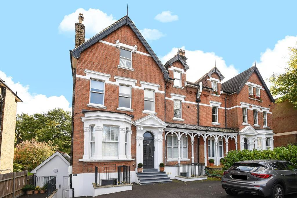 2 Bedrooms Flat for sale in Shortlands Road, Bromley