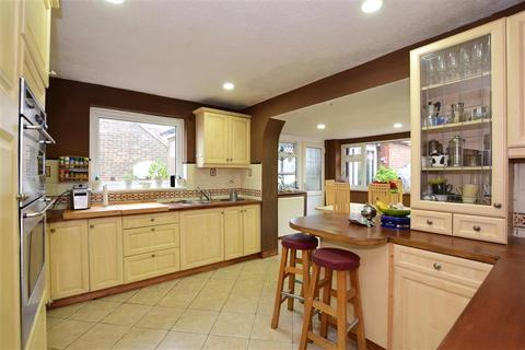 5 bedroom semi-detached house for sale - Brownleaf Road, Woodingdean, Brighton, East Sussex