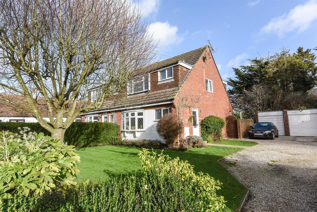 3 Bedrooms Semi Detached House for sale in Hook Lane, Aldingbourne