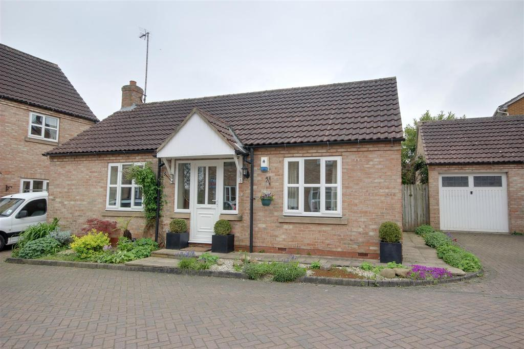 2 Bedrooms Detached Bungalow for sale in The Forge, Little Weighton