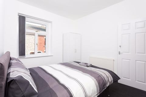 3 bedroom house share to rent - Room 1, Edward Street, Stoke on Trent, ST4 2JT