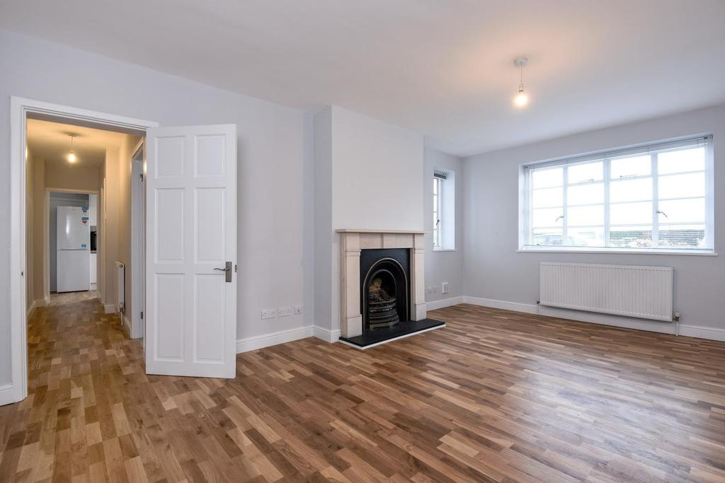 3 Bedrooms Flat for sale in Dartmouth Grove, Greenwich