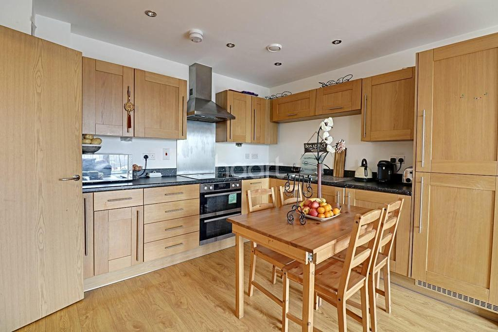 1 Bedroom Flat for sale in Pulse Court, Maxwell Road, Romford