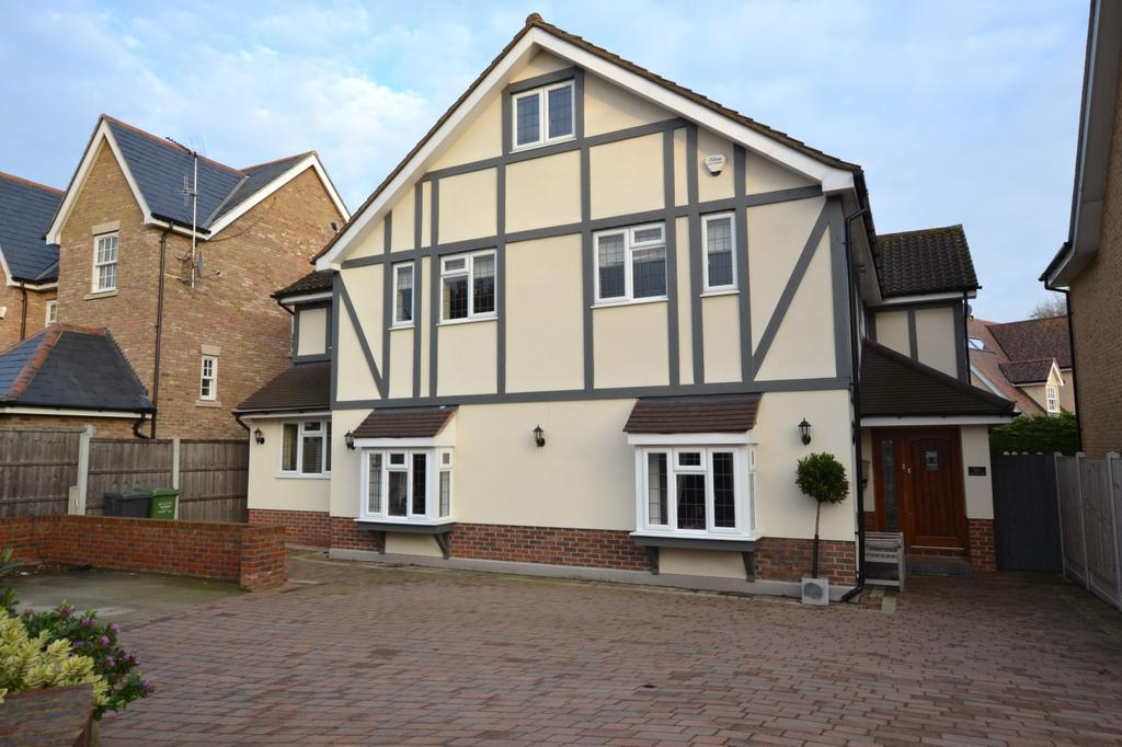 6 Bedrooms Detached House for sale in Norsey Road, Billericay, Essex, CM11