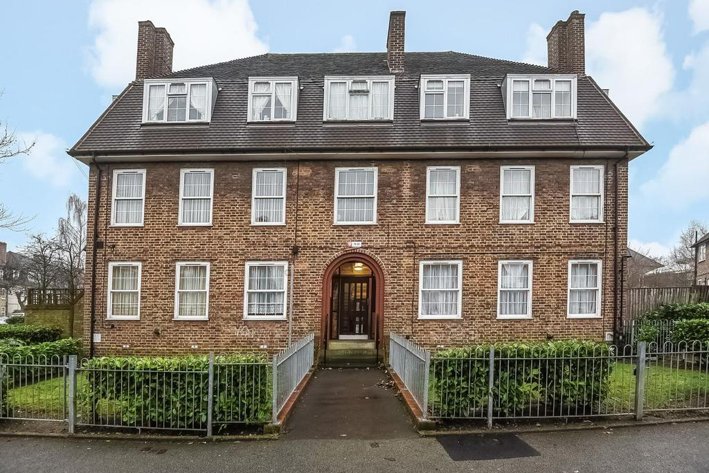 2 Bedrooms Flat for sale in Lushington Road, Catford