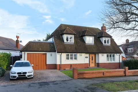 4 bedroom house for sale - Woodland Way, Theydon Bois, CM16