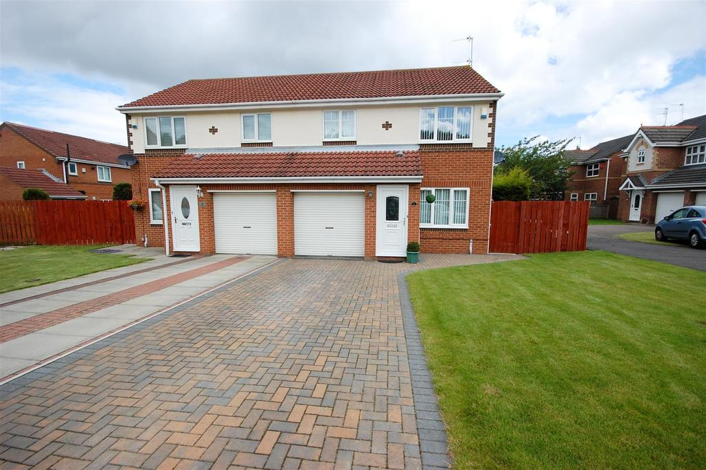 3 Bedrooms Semi Detached House for sale in Yardley Close, The Downs Sunderland