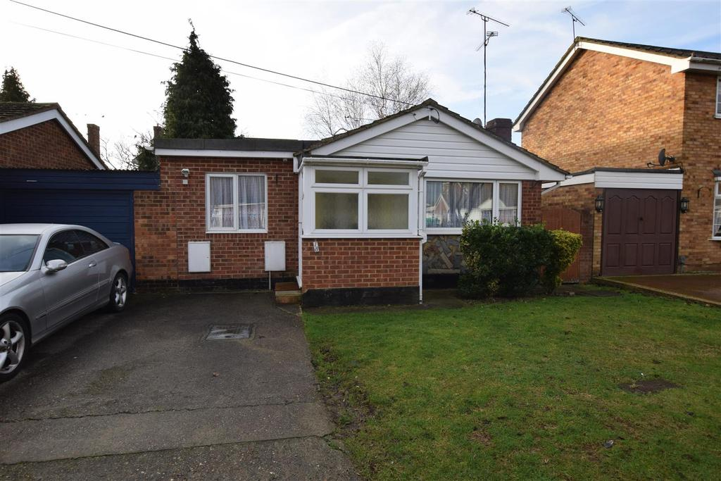 2 Bedrooms Bungalow for sale in Berg Avenue, Canvey Island