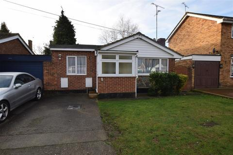 2 bedroom bungalow for sale - Berg Avenue, Canvey Island