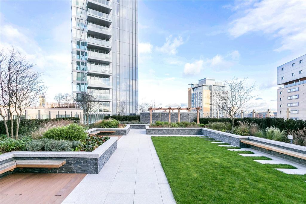 2 Bedrooms Flat for sale in Kingwood Gardens, Goodman Fields, London, E1