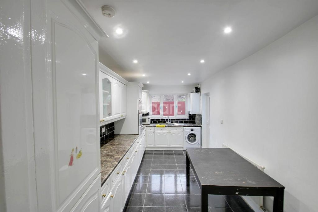 5 Bedrooms Terraced House for sale in Jedburgh Road, Plaistow