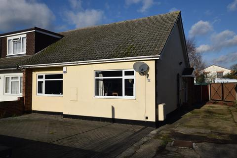 2 bedroom semi-detached bungalow for sale - Lionel Road, Canvey Island